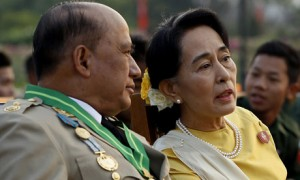 Aung San Suu Kyi with Maj Gen Zaw Win 27 March 2013 © Nyein Chan Naing/AFP/Getty Images