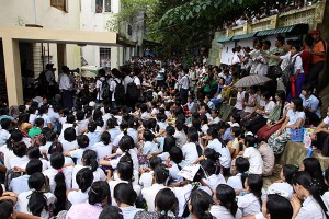 0910-Myanmar-Workers-Protest_full_600